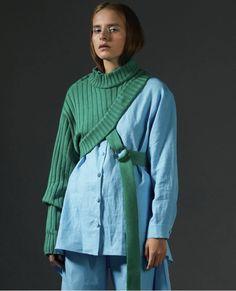 Lalo's Creat Sweater Design. Fashion 2020, Fashion Week, Runway Fashion, High Fashion, Fashion Looks, Fashion Outfits, Womens Fashion, Fashion Trends, Fashion Tips