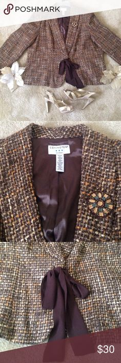 Covington Woman tweed blazer with bow Adorable tweed blazer of golds and browns with ultra cute bow tie front! Rounded starburst embellishment make this blazer a statement piece. A fall and winter essential! 100%acrylic. Size 22W (Audrey Brook gold heels sold under separate listing) Covington Jackets & Coats Blazers