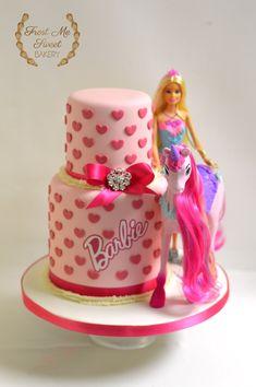 23 Super ideas for cake pops ideas unicorn Barbie Party Decorations, Barbie Theme Party, Bolo Barbie, Barbie Y Ken, Barbie Doll Birthday Cake, Barbie Cupcakes, Girl Cakes, Themed Cakes, Birthday Ideas