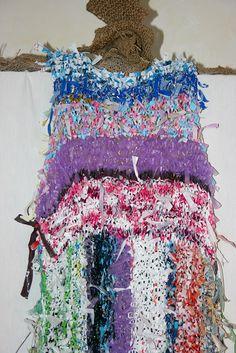 Tissage d'expression Antémia - Longue robe tricotée de sacs plastiques recyclés 75x650 cm