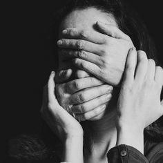 Influence by gf-biju on deviantART Emotional Photography, Conceptual Photography, Dark Photography, Creative Photography, Black And White Photography, Portrait Photography, Face Reference, Photo Reference, Dark Portrait