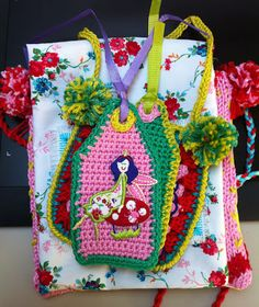 Cute crochet tags made by Antoinette van Schaik.