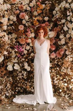 Autumn inspired flower back drop Fall Wedding Flowers, Autumn Wedding, Floral Wedding, Autumn Inspiration, Backdrops, Photo And Video, Inspired, Formal Dresses, Instagram