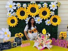 Sunflower Wedding Decorations, Sunflower Party, Sunflower Baby Showers, Butterfly Baby Shower, Flower Decorations, Baby Girl Shower Themes, Baby Shower Gender Reveal, Flower Decoration For Ganpati, Sunflower Template