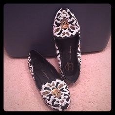 House of Harlow beaded skull loafers Size 7; great condition House of Harlow 1960 Shoes Flats & Loafers