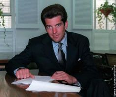 John Kennedy Jr., Les Kennedy, Carolyn Bessette Kennedy, Caroline Kennedy, Jacqueline Kennedy Onassis, Die Kennedys, Kennedy Compound, 10 Years Later, 20 Years