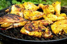 Bombay Chicken on the BBQ. Recipe: http://www.themanwiththepan.com/bombay-kip-van-de-bbq/