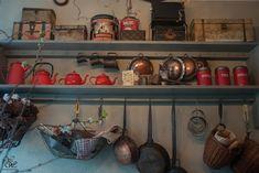 Kom Achterom kichen primitive, cottage style