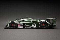 Autoart Bentley Speed 8 # 7 Winner Le Mans 2003