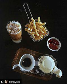 WEBSTA @ bellvajogja - #Repost @darasyllvia (@get_repost)・・・Today's  good mood is sponsored by coffee 😋