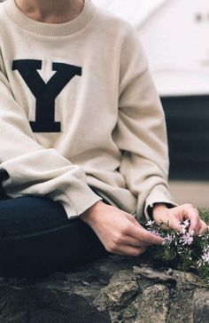 Skinny jeans + Yale sweater.