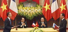 Au Vietnam François Hollande VRP d'Airbus
