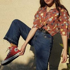 Aesthetic outfit, fashion, old school fashion, retro fashion, korean fa Mode Outfits, Retro Outfits, Grunge Outfits, Casual Outfits, Vintage Hipster Outfits, 80s Style Outfits, Outfits With Red, 90s Clothing Style, Vintage Clothing Styles