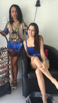 #Ângela manicure com #Luanna. Na Companhia das unhas.