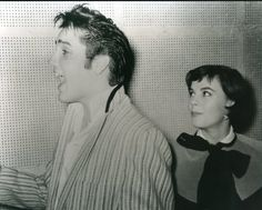 Elvis with Natalie Wood. Natalie always seemed to hang around the new up and coming stars of the day, be it Elvis, James Dean, Tab Hunter, Warren Beatty and Robert Wagner.