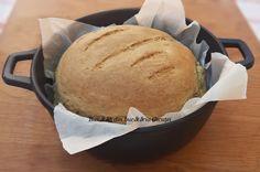 Painea cu faina integrala este gustoasa si sanatoasa. Are miez pufos si coaja fina si crocanta. Recomand cu drag sa incercati si voi reteta... Bread, Food, Brot, Essen, Baking, Meals, Breads, Buns, Yemek
