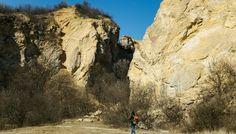 "Budapest ""Grand Canyonja"" – kirándulás a Róka-hegyi kőfejtőhöz Budapest, Mount Rushmore, Grand Canyon, Mountains, Nature, Fun, Travel, Naturaleza, Viajes"