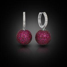 Jewelry Product Shoot by Alexandr Svetlovskiy, via Behance