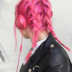 Beautiful hot pink hair color ideas to makes you looks stunning 70 Hot Pink Hair, Hair Color Pink, Cool Hair Color, Hair Colors, Bright Pink Hair, Colorful Hair, Bright Coloured Hair, White Hair, Dark Hair