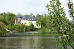 Stieger See mit Blick auf das Schloss.