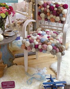 Pompon stuhl home decor ideas greathomedecorideas Pom-pom chair in pale shades. The variation is infinite. Easy and Cosy :) pompom chair Marie Claire Idees & Ideal Home chair diy chair renovation Source by Decor Crafts, Home Crafts, Diy Home Decor, Diy And Crafts, Crafts For Kids, Room Decor, Painted Furniture, Diy Furniture, Pom Pom Rug