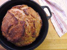 Hapanjuuresta valmistettu pataleipä – Sourdough Pot Bread