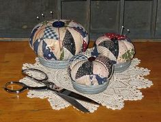 pin cushion using jar lid | Primitive Pinkeepers Pattern-zinc lids, antique quilt, pin cushion ...