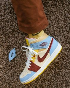 8 Air Jordan 1 in my wishlist – The Kicks Girl 2020 Sneakers Mode, Sneakers Fashion, Fashion Shoes, Shoes Sneakers, Sneakers Nike Jordan, Kd Shoes, Jordan Nike, Girls Sneakers, Air Force Sneakers
