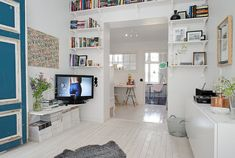 my scandinavian home: Black, white and a splash of colour