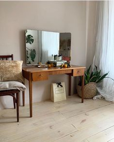 Home Decor Ideas For Small Living Room. Save Money Using This Type Of Great Interior Design Information Decoration Design, Aesthetic Rooms, My New Room, House Rooms, Vintage Home Decor, Home And Living, Small Living, Room Inspiration, Living Spaces