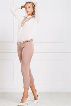 İRONİ DAR PAÇA BEJ PANTOLON Capri Pants, Fashion, Moda, Capri Trousers, Fashion Styles, Fashion Illustrations