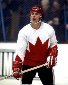 Paul Henderson 1972 scored the winning goal in the Canada/Russia series Montreal Canadiens, Earl Sweatshirt Doris, Mario Lemieux, Bill Russell, Jim Brown, Women's Hockey, Summit Series, Wayne Gretzky, Vancouver Canucks