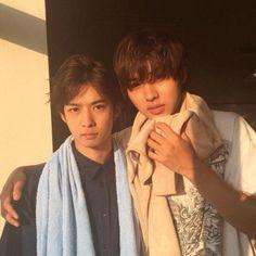 "Kento Yamazaki, Yudai Chiba, BTS photo, J drama, sports comedy, ""Suikyu Yankees(Water Polo Yankees)"", 2014. Plot & Ep.1-10: http://dramanice.com/drama/suikyu-yankees-detail [Eng. Sub] So funny n nice drama!!!"