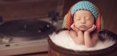 16 Heartmelting Ways to Photograph Your Newborn