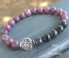 Heart Bracelet, Lepidolite bracelet, Iolite bracelet, yoga bracelet, mala beads, Reiki bracelet, 8mm Iolite 8mm Lepidolite with Middle