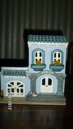 Ceramic Bisque, Miniature Houses, Beautiful Flowers, Decoupage, Victorian, Ceramics, Bird, Dolls, Frame