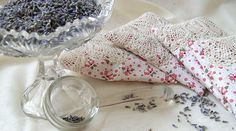 pretty vintage pillowcase provides plenty of fabric for whipping up a batch of laundry sachets. To make your own, just cut out two squares of fabric (around 6″ x 7″ would work fine), press wrong sides together, sew all most all the way around, flip it right side out, stuff with dried lavendar (or herbs of your choice), and close with a whip or ladder stitch