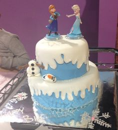 Disney Frozen birthday cake for a 4 year old! HillyMills Cakes