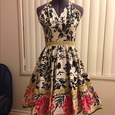 Forever 21 flowy cotton dress VERY full skirt! Ruching at waist makes it fit perfectly and is very comfortable. Forever 21 Dresses Midi