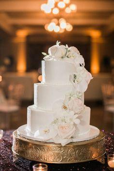 Wedding cake idea; Featured photographer: Jacqui Cole Photography