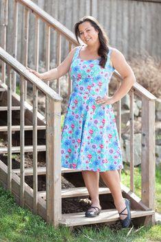 Sommerkleid mit Prinzess-Nähten aus Webware von Lillestoff - passt auch kurvigen Frauen im Plussize-Bereich Lily Pulitzer, Summer Dresses, Fashion, Curvy Women, Curve Dresses, Nice Asses, Moda, Fasion, Fashion Illustrations