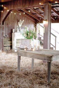 Historic Cedarwood Barn. Photo by Leslee Mitchell.