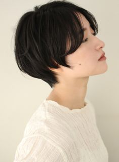 mens thin hairstyles hairstyles medium length thin hairstyles 2018 hairstyles round face hairstyles with side bangs hairstyles for oval faces long thin hairstyles hairstyles for round faces Tomboy Haircut, Short Hair Tomboy, Tomboy Hairstyles, Hairstyles With Bangs, Hairstyles 2016, Thin Curly Hair, Short Thin Hair, Girl Short Hair, Short Hair Cuts