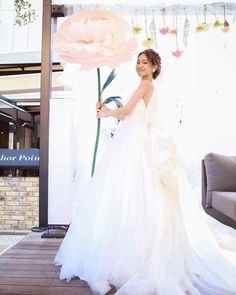 This oversized paper flower surely beams with a dreamy and ethereal ambiance that will be a perfect opt for your big day. Dont you think? ***PRICING 35-40cm//14-16 • 70usd 45-50cm//18-20 • 135usd 55-60cm//22-24 • 165 usd •••Note••• This listing includes price only for 1 single peony.