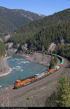 RailPictures.Net Photo: BNSF 7191 BNSF Railway GE ES44C4 at West Glacier, Montana by Justin Franz