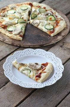 This veggie pizza is perfect for dinner tonight!