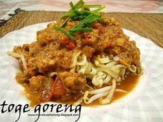 toge goreng (fried bean sprouts)