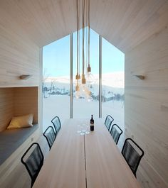Beautiful House Architecture by Reiulf Ramstad Arkitekter - Split View Mountain Lodge — Webinspeer Architecture Design, Cabinet D Architecture, Architecture Wallpaper, Architecture Interiors, Building Architecture, Best Interior Design, Interior And Exterior, Chalet Interior, Interior Walls