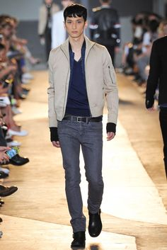 See all the Collection photos from Diesel Black Gold Spring/Summer 2015 Menswear now on British Vogue Men Fashion Show, Mens Fashion, Runway Fashion, Japanese Models, Spring Summer 2015, Men's Collection, Gq, Diesel, Celebrity Style