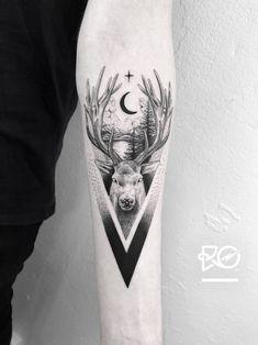 Deer Tattoo by Robert Pavez Hirsch Tattoos, Hirsch Tattoo Frau, Full Tattoo, Arm Tattoo, Sleeve Tattoos, Spinal Tattoo, Tattoo Finger, Mandala Tattoo, Tattoo Tree